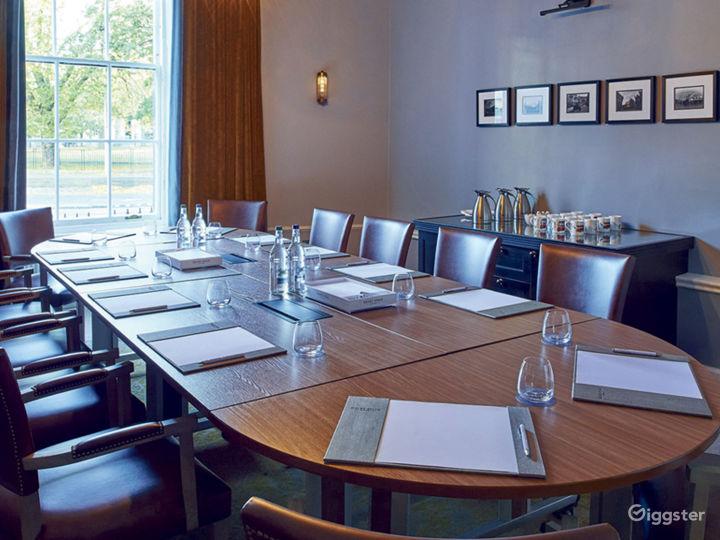 Well-lighted Boardroom in Edinburgh Photo 3
