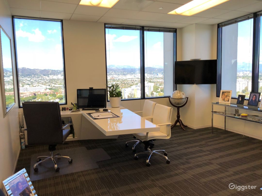 Beautiful CEO office with sweeping views - film here for some iconic shots from 20 stories up! White desk is built into the space.