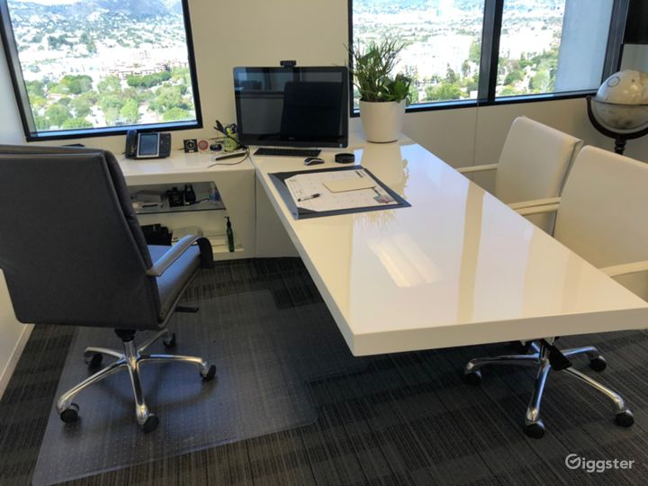 Miracle Mile Open Office Space with Sweeping Views Photo 5