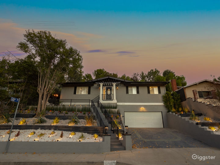 Oasis on Topanga Canyon | Modern & Smart | Valley  Photo 3