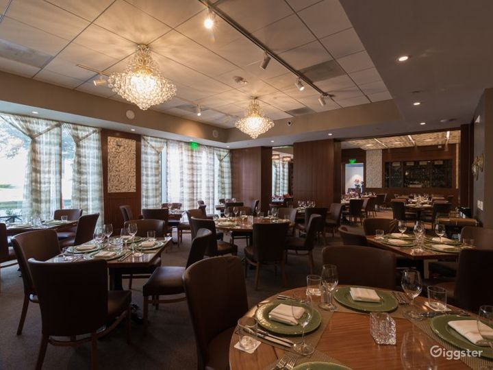 Maharaja Dining Room with Large Flat Screen & Patio Access in Houston Photo 5