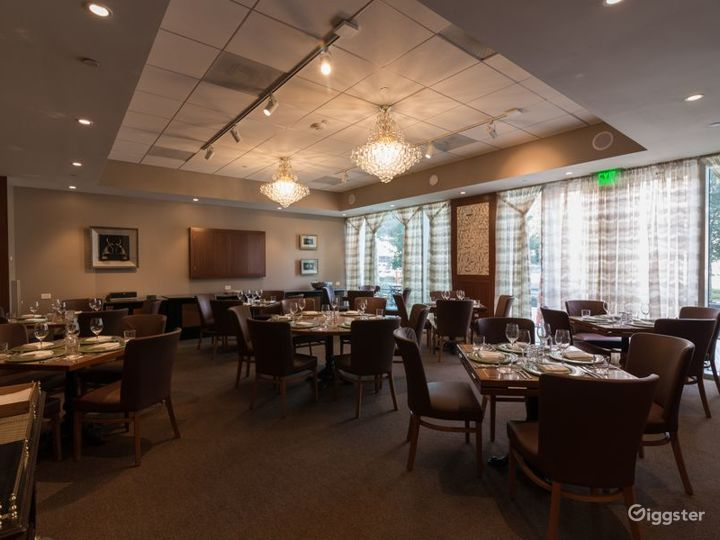 Maharaja Dining Room with Large Flat Screen & Patio Access in Houston Photo 4