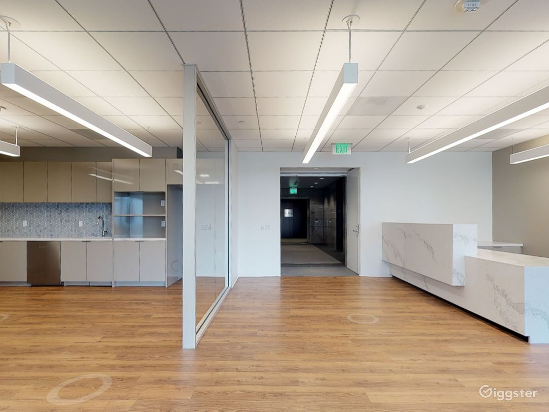 Office 2100 Photo 1