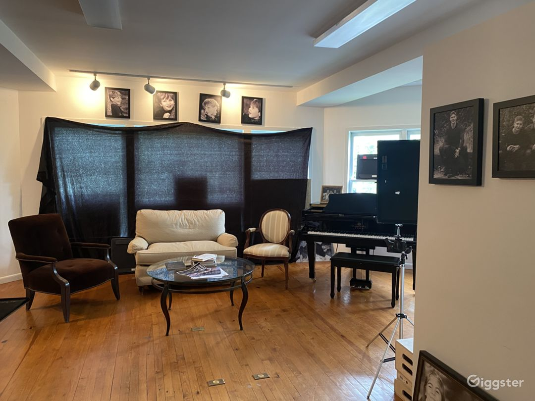Roomy Photo Studio in Westchester Photo 1