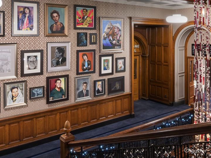 Elegant Queens Room in Glasgow Photo 5