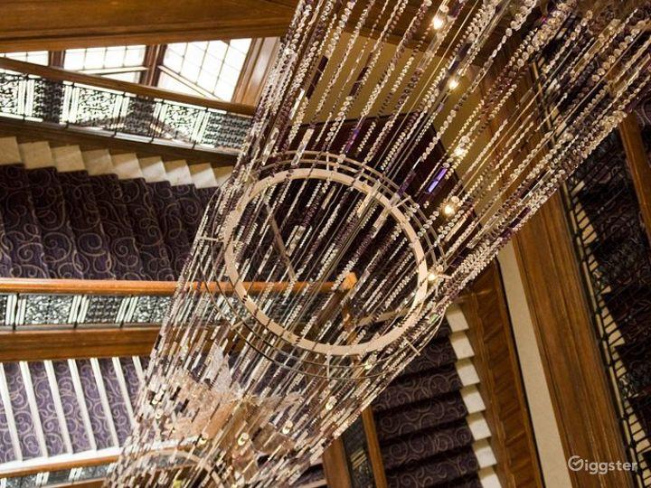 Elegant Queens Room in Glasgow Photo 4