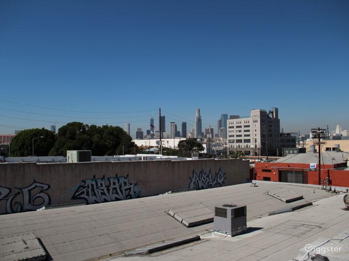 Unobstructed 360º Rooftop Views of DTLA Photo 3
