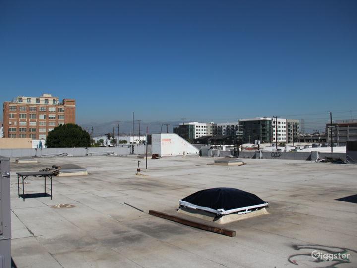 Unobstructed 360º Rooftop Views of DTLA Photo 5