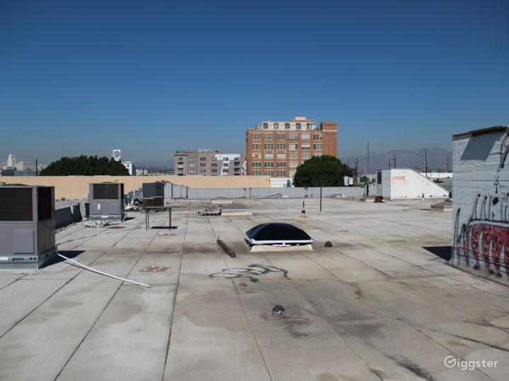 Unobstructed 360º Rooftop Views of DTLA Photo 4