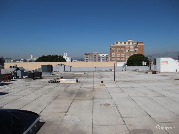 Unobstructed 360º Rooftop Views of DTLA Photo 2
