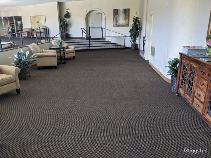 Dazzling Lobby Area in San Mateo, Great For Pop-Up's & Networking Events Photo 2