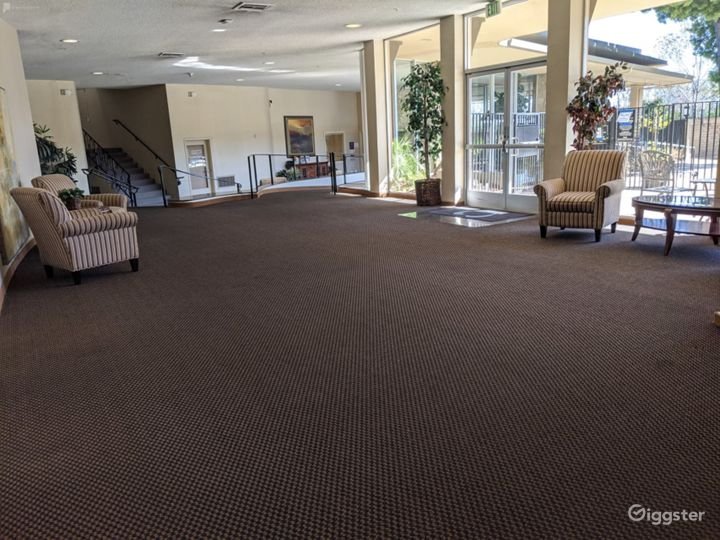 Dazzling Lobby Area in San Mateo, Great For Pop-Up's & Networking Events Photo 3