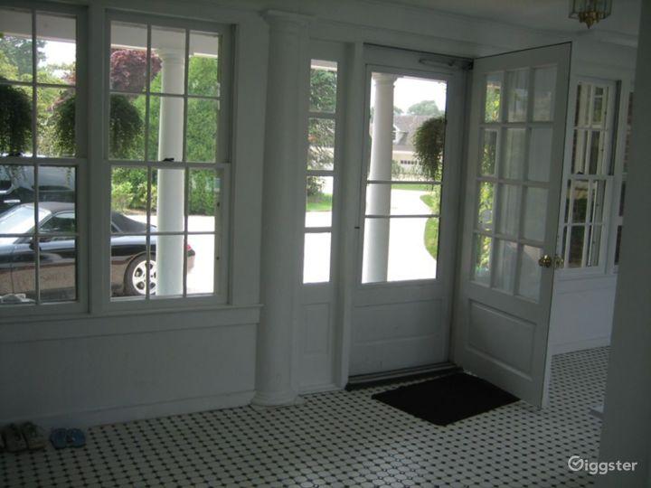 Grand Hamptons mansion: Location 4153 Photo 5