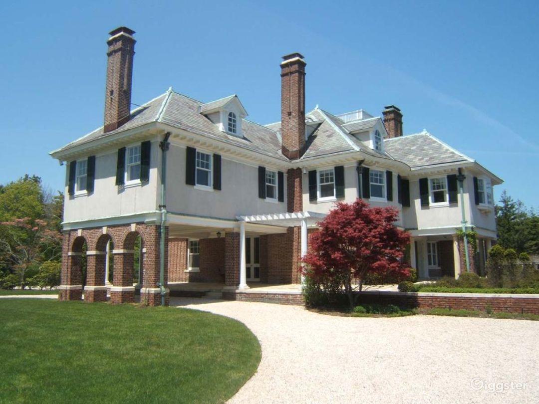 Grand Hamptons mansion: Location 4153 Photo 1