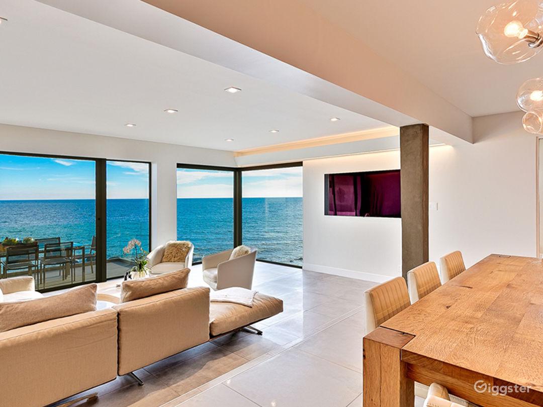 Modern Oceanfront Beach Villa Photo 2