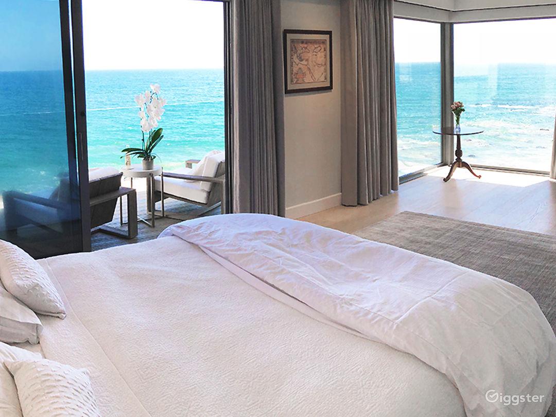 Modern Oceanfront Beach Villa Photo 5