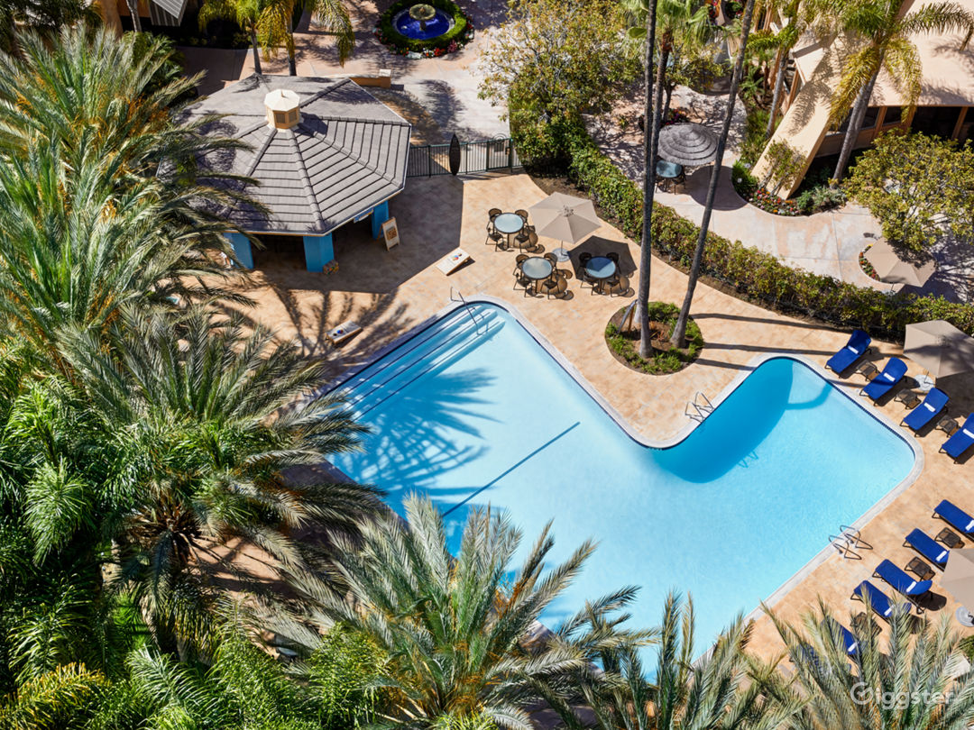Anaheim Resort with lush landscaping, patios, pool Photo 1
