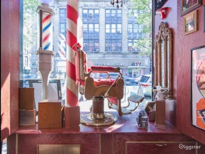 Elegant Barbershop Museum in New York City Photo 3