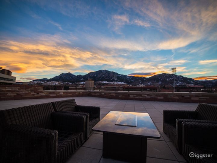 Fascinating Rooftop Terrace & Lounge Photo 2