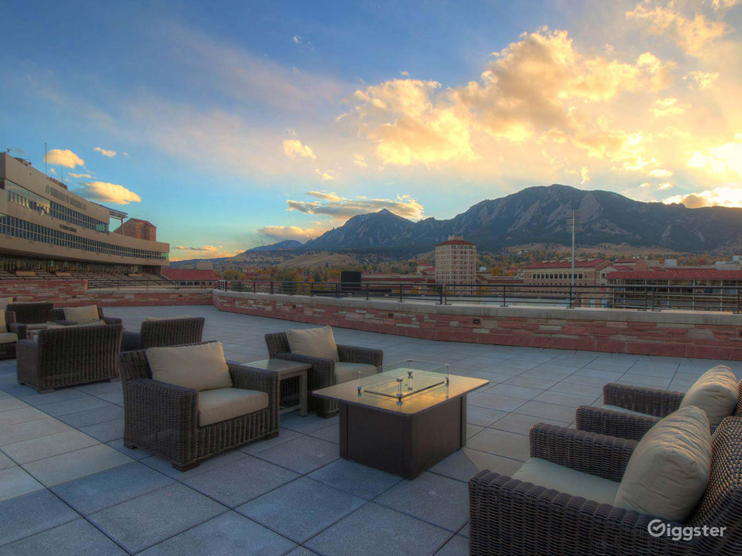 Fascinating Rooftop Terrace & Lounge Photo 1