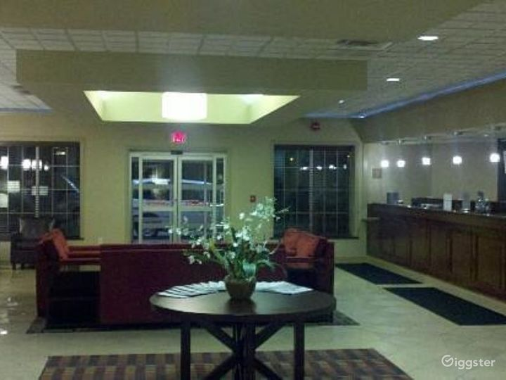 Stunning Hotel Lobby in Kalamazoo Photo 5