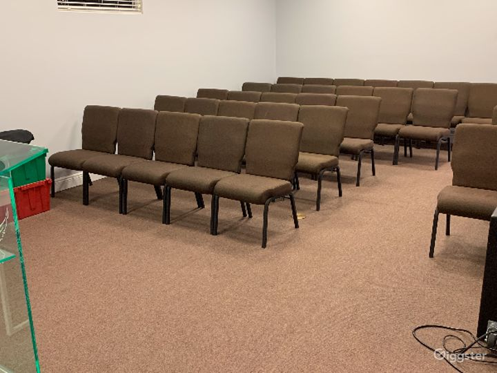Ultramodern Conference Room Photo 3