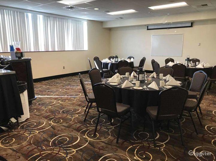 Contemporary Hotel Ballroom in Lincoln  Photo 5