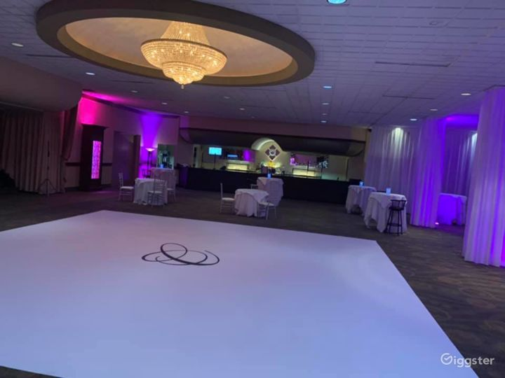 Ideal Grand Ballroom in Ohio Photo 5