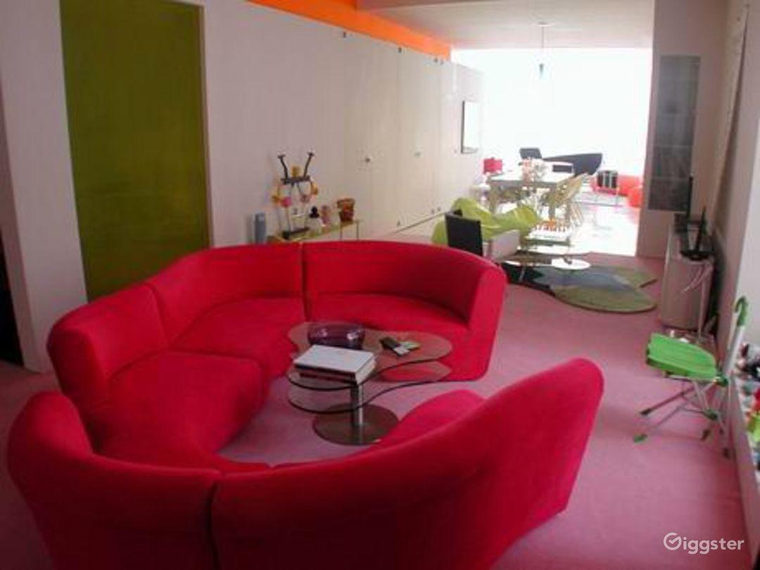 Colorful contemporary apartment: Location 3109 Photo 1