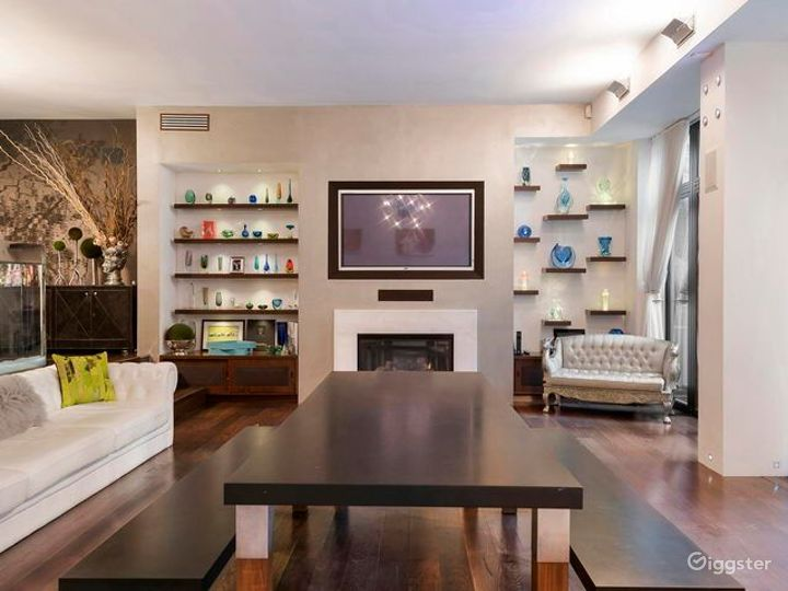 Upscale NYC townhouse: Location 5105 Photo 3