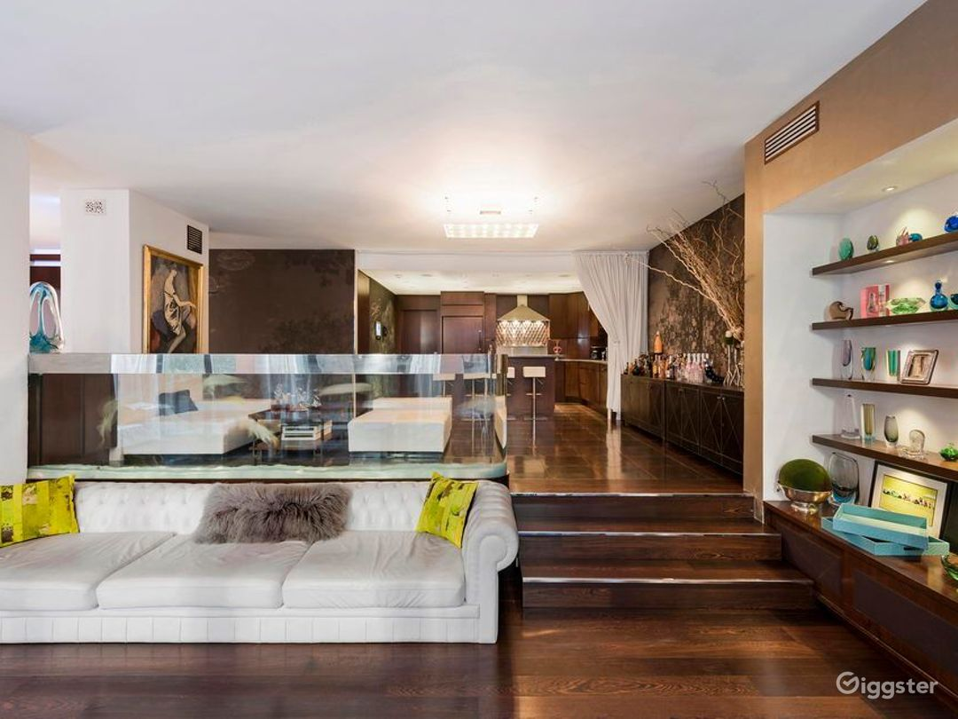 Upscale NYC townhouse: Location 5105 Photo 1