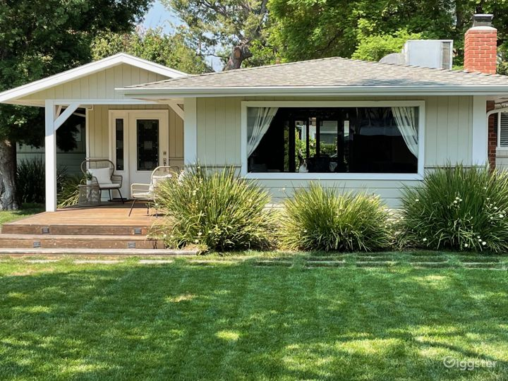 All American Mid-Century Ranch Home w/ large Yard Photo 2