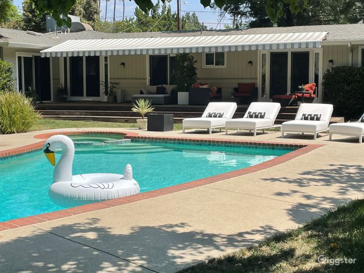 All American Mid-Century Ranch Home w/ large Yard Photo 3
