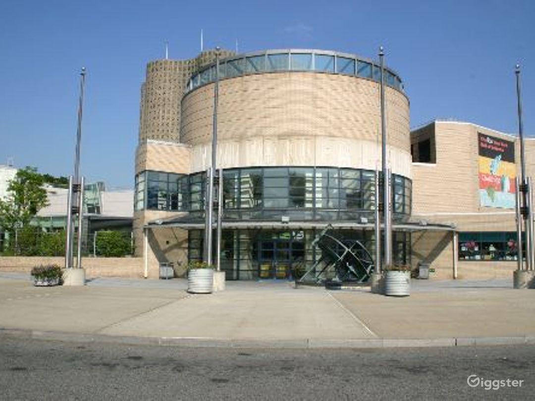 Science museum: Location 4089 Photo 1