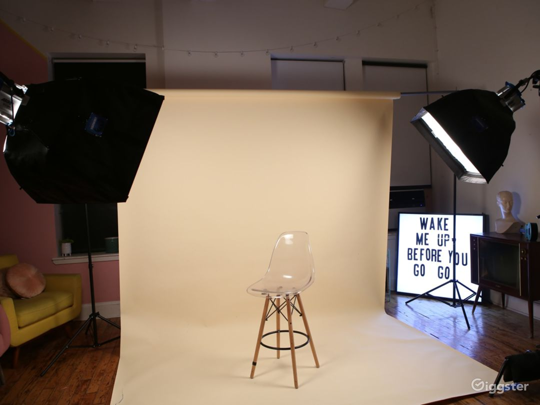 Space can be used with furniture set up or backdrop setup