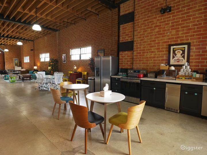 Modern Event Indoor/Outdoor Space Photo 3