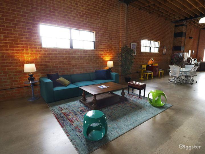 Modern Event Indoor/Outdoor Space Photo 5