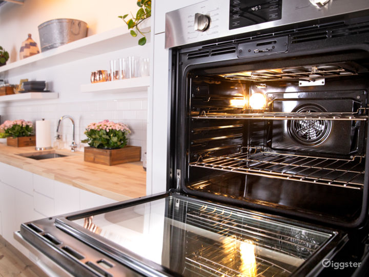 Gourment Kitchen Set in the heart of Manhattan Photo 2