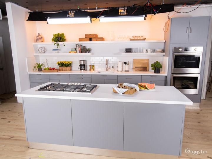 Gourment Kitchen Set in the heart of Manhattan Photo 3