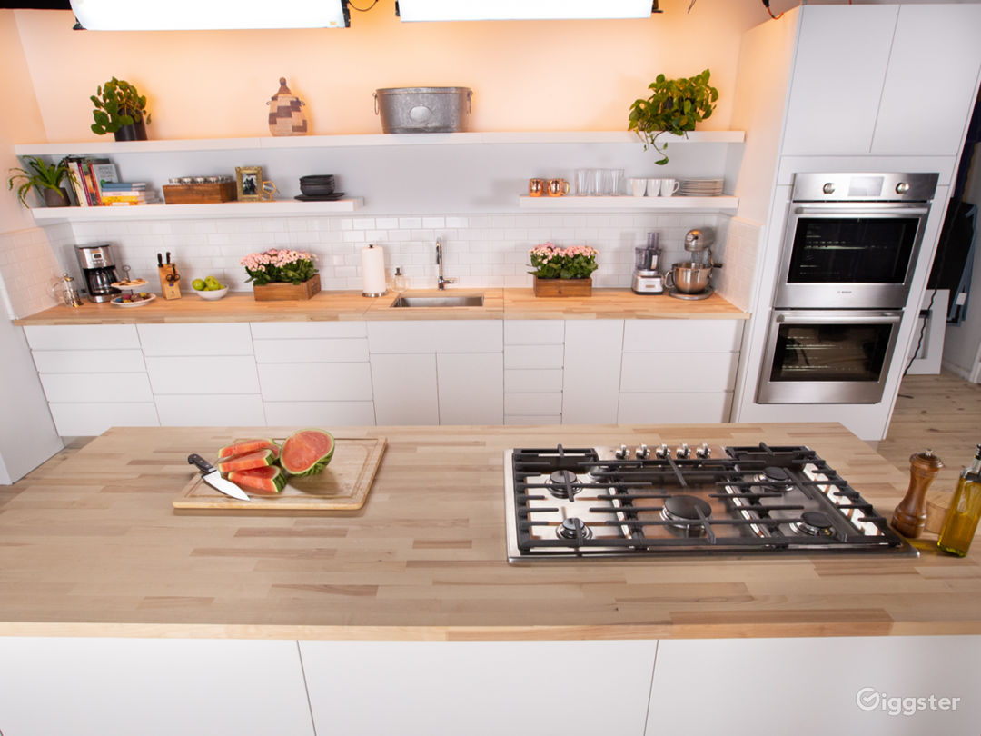 Gourment Kitchen Set in the heart of Manhattan Photo 1