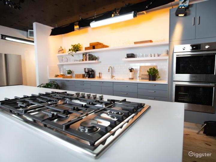 Gourment Kitchen Set in the heart of Manhattan Photo 5