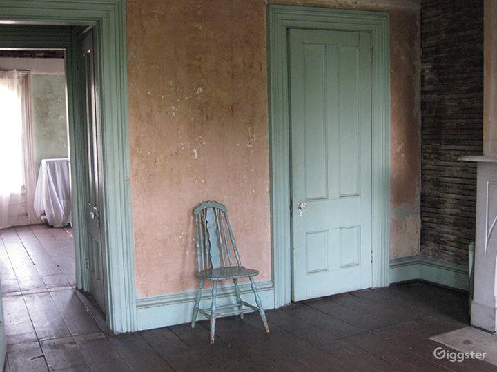 Dilapidated, distressed mansion: Location 3166  Photo 4