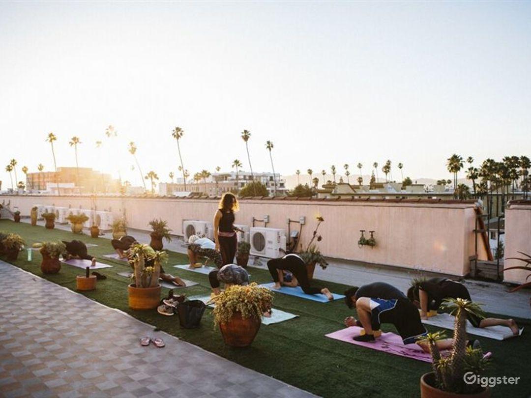 Gorgeous Rooftop Terrace in LA Photo 1