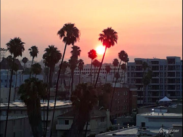 Gorgeous Rooftop Terrace in LA Photo 4