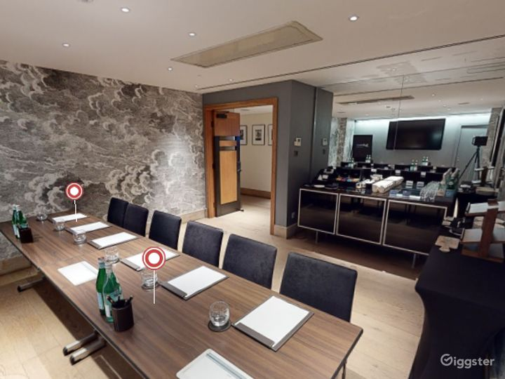 Polished  Private Room 2 in Leicester Square, London Photo 5