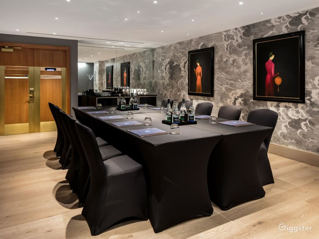 Polished  Private Room 2 in Leicester Square, London Photo 1