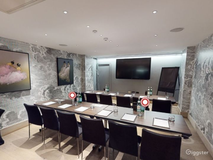Polished  Private Room 2 in Leicester Square, London Photo 3