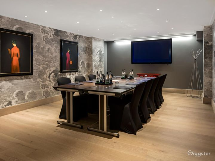 Polished  Private Room 2 in Leicester Square, London Photo 2