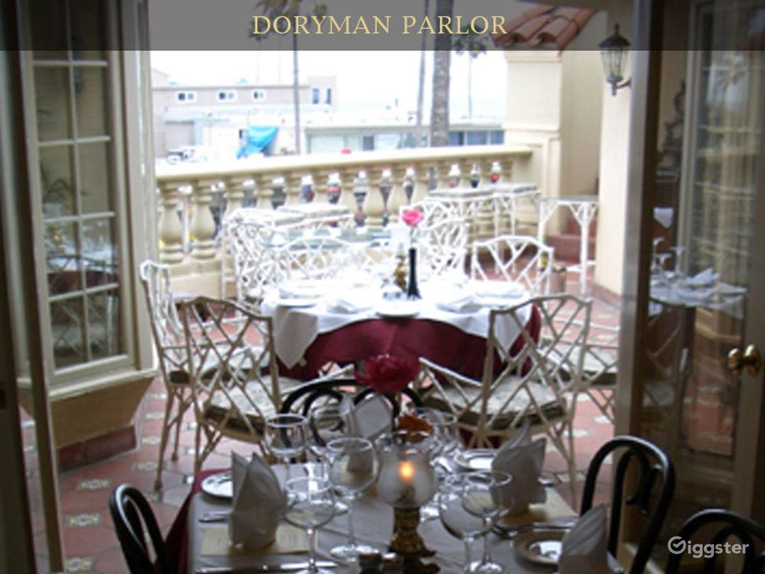 Doryman Parlor Photo 1