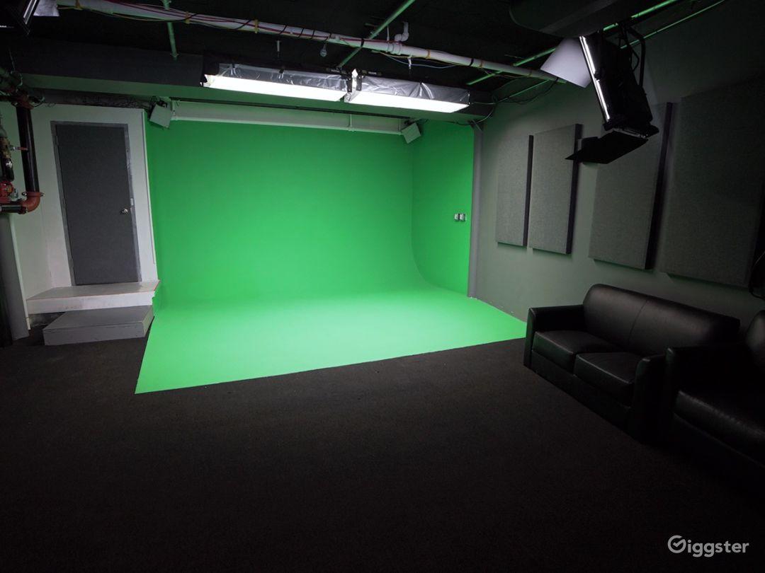 Green Screen Stage in Chelsea Manhattan  Photo 1